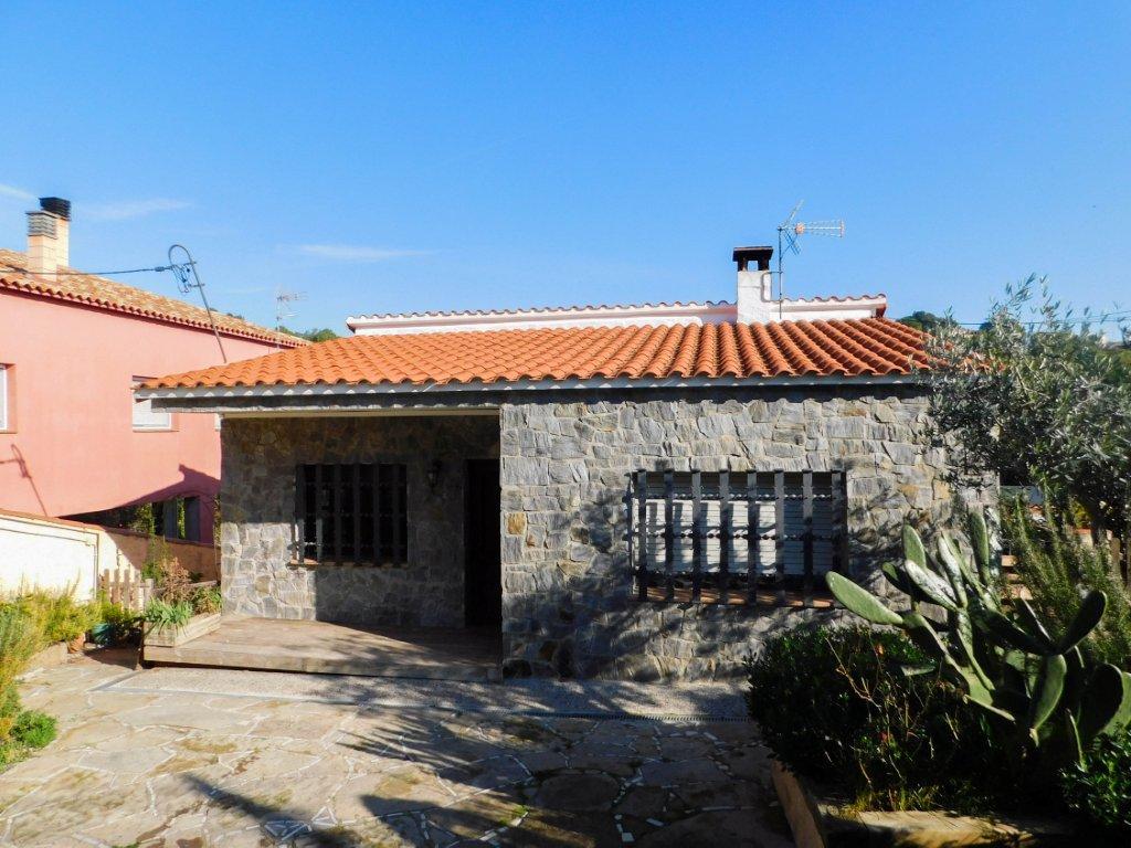 Casa en castellnou rubi finques opengesfinver - Alquiler casa rubi ...